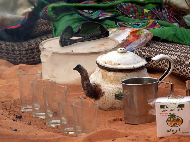 Algérie: Pause thé en plein désert / Algeria: Tea time in the desert / Argelia: La hora del té en el desierto