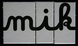 """Jeu de LECTURE et de DÉCOMPOSITION SYLLABIQUE de LOGATOMES en lettres cursives CAÏMO l'a testé pour les orthophonistes! Plus de 100 logatomes (jusqu'à 4 syllabes) peuvent être réalisés en cursif avec la boîte de lettres """"J'écris mon prénom"""". La liste..."""
