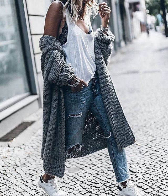 Heather Grey Drop Shoulder Ribbed Cardigan >> Blue Ripped Skinny Ankle Jeans >>