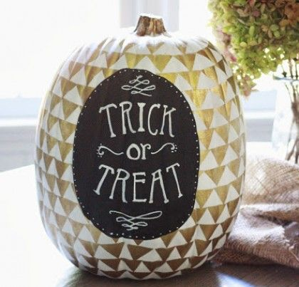 Fun Ways To Decorate Your Halloween Pumpkin | theglitterguide.com