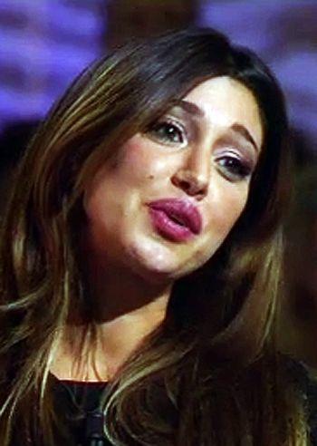Belen Rodriguez bellissima ospite a 'Le invasioni barbariche': le immagini - Foto e Gossip by Gossip News