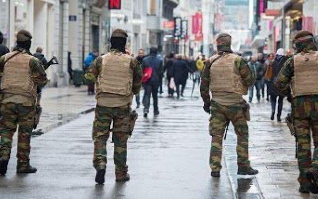 Bruxelles - La città del terrore In questo articolo troverete la testimonianza di una giovane coppia che ha recentemente visitato la capitale Belga.  Una città magica che nasconde tante meraviglie, dal cioccolato alle birrerie e a #bruxelles #attentati #terrore