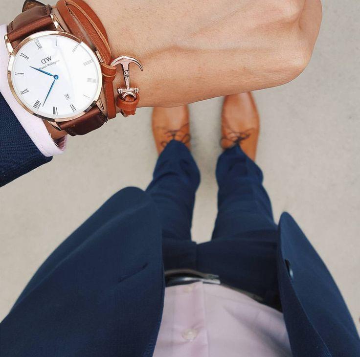 Via @thefilteredfit ⚓️ #worldsuniquedesigns #loveit #man #manstyle #mansfashion #look #fashionmen #fashionlove #outfit #watch #danielwellington #bracelet #suit #suitup #likepost #likelikelike