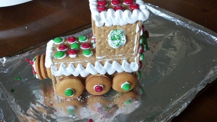 Best 25+ Graham cracker gingerbread house ideas on ...