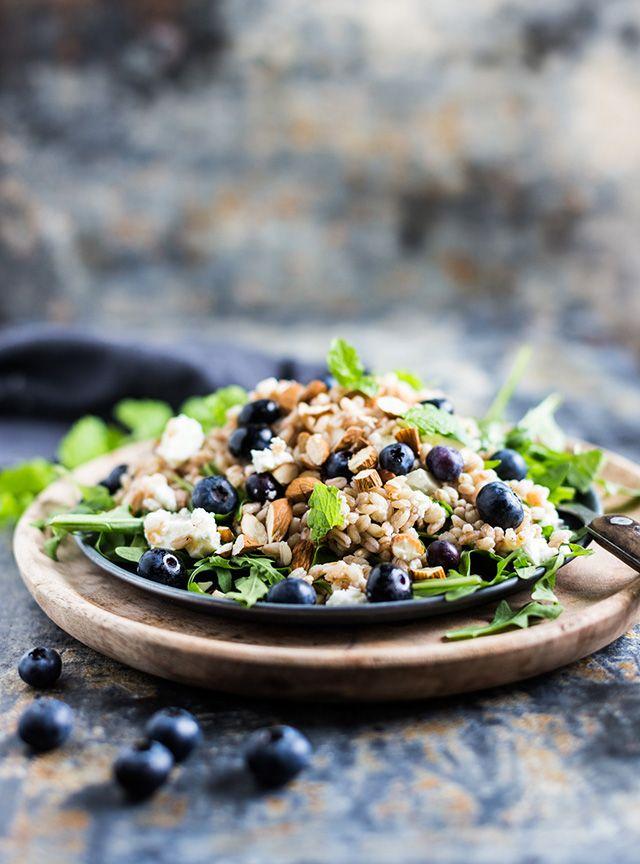 Salat med blåbær