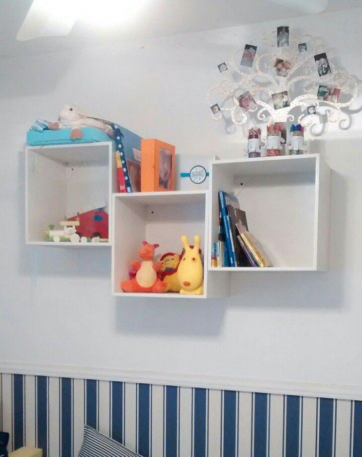 Estante flotante con cubos para habitacion de niños  a0e53704b3d0