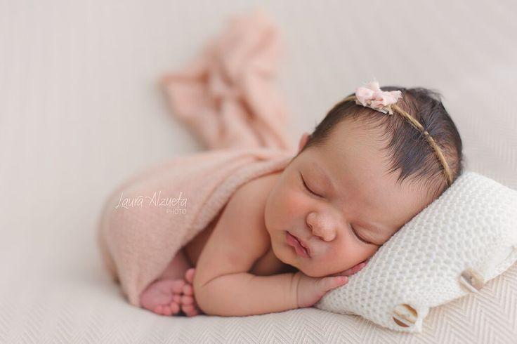 fotos newborn_Laura Alzueta_003  Hoje tem artigo que escrevi no blog da @fhox sobre a presença masculina na fotografia newborn. Confiram!!