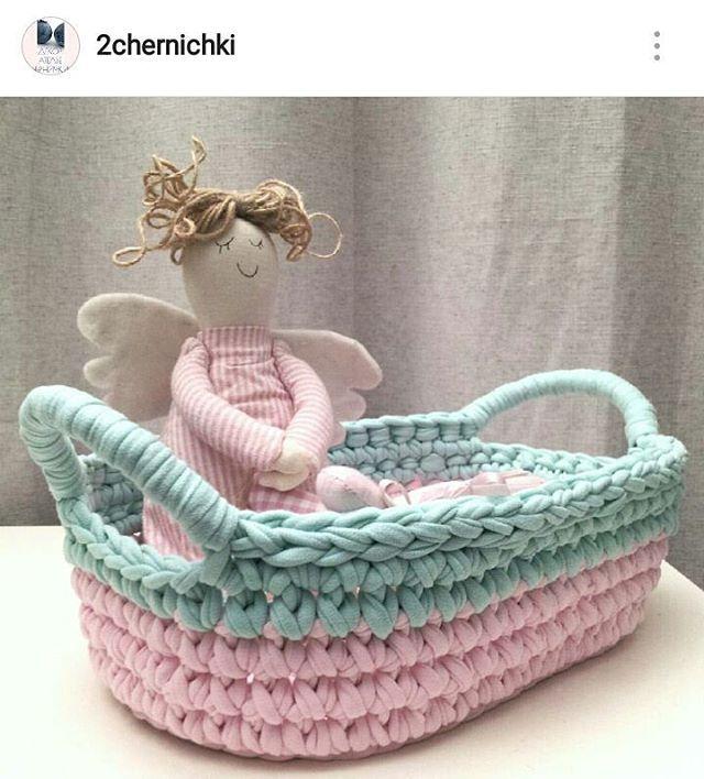 Fofurinha linda  #tapete #crochet #croche #handmade #tapete #fiodemalha…