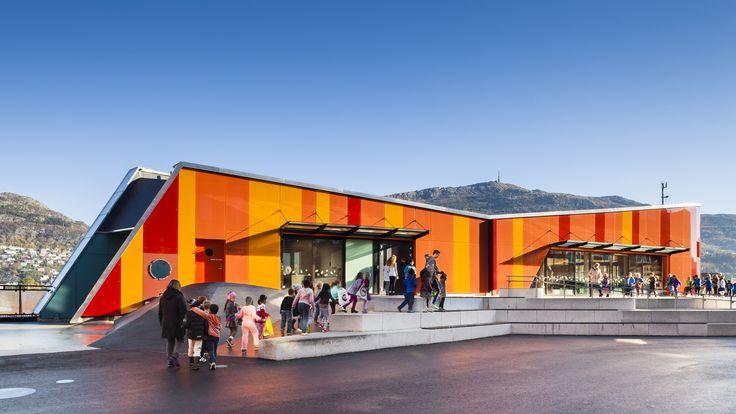 Escola Ny Krohnborg / Arkitektgruppen Cubus AS, Rambøll Norge