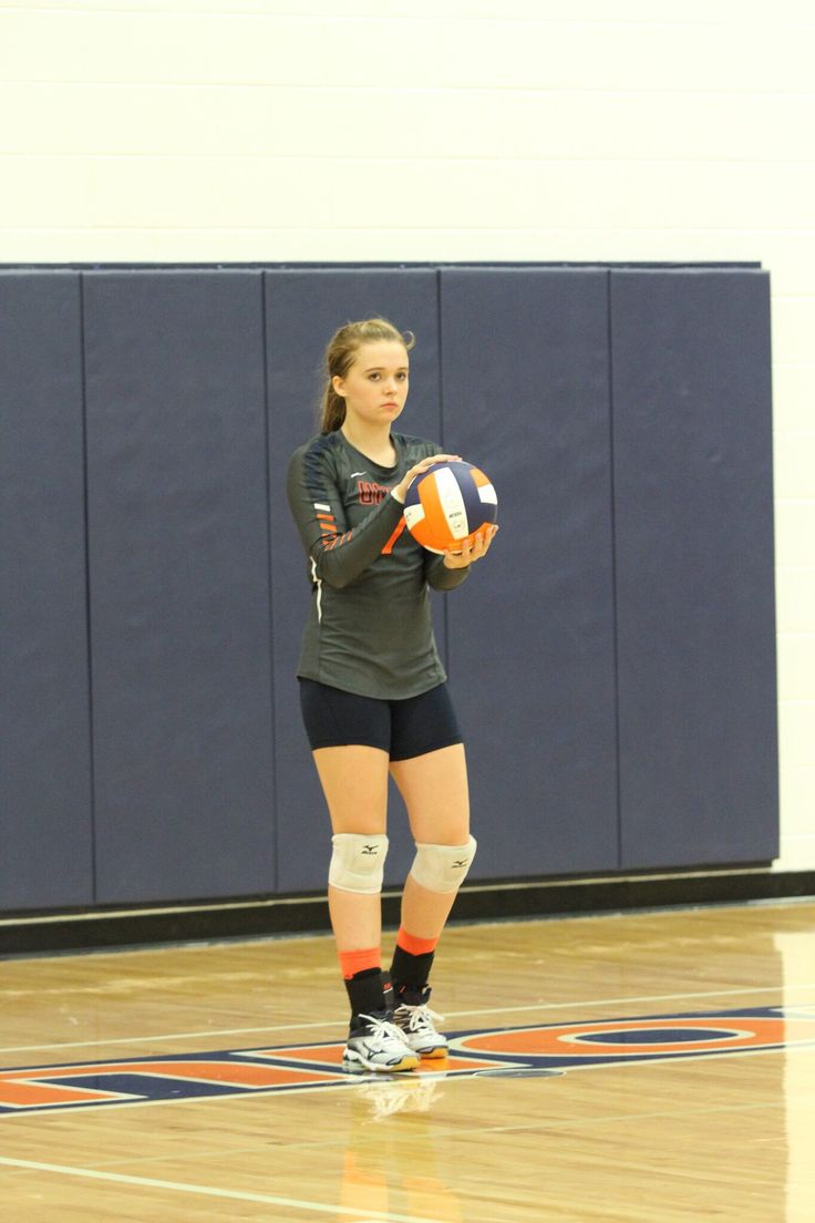 Pin By Marcela Rozwod On Life In Volleyball With Kim Mathes Moore Women Volleyball Volleyball Photos Volleyball