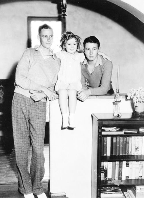Shirley Temple and her brothers at home, 1935.