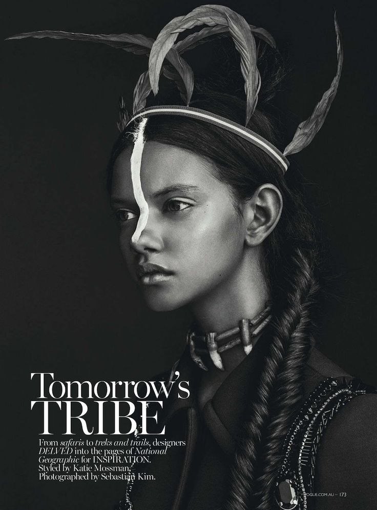 "photo de mode NB : Sebastian Kim, 2014, série ""Tomorrow's tribe"", Vogue Australia, style tribal, plumes, 2010s"