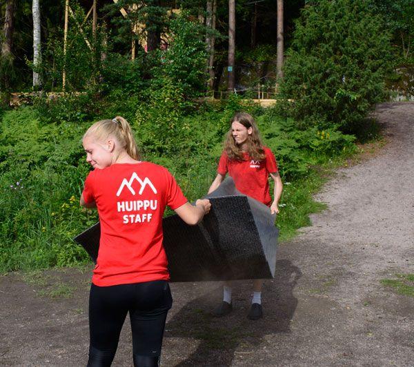Siivouspäivä. Jo oli aikakin!  Cleaning the hut. It was about time!