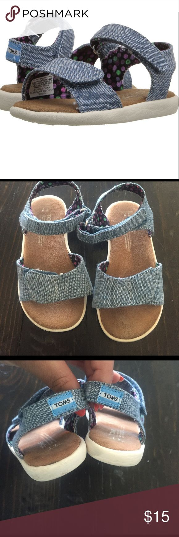 Kids TOMS T7 Cute and comfortable TOMS sandals in good used condition TOMS Shoes Sandals & Flip Flops