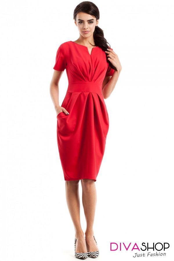 Rochie de zi rosu