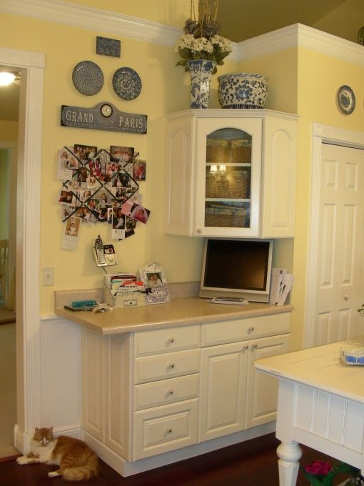 French country kitchen yellow white blue awesome for Small white country kitchen