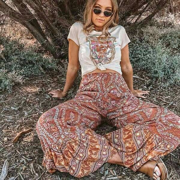 Boho Inspired Retro Outfit Hippie Style Clothing Hippie Outfits Bohemian Clothes