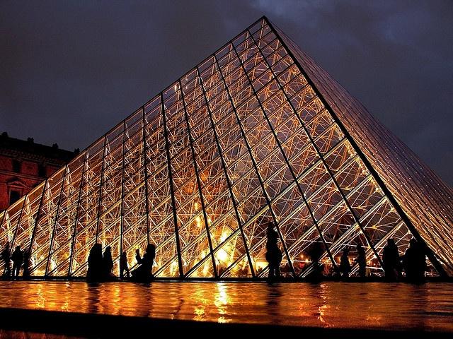 Piramid lights in Paris