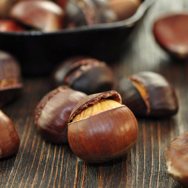 Ein tolles Rezept mit Gelinggarantie: Maroni im Backofen schmecken unglaublich lecker.