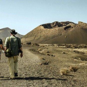 Hike fire Route Lanzarote. Een zeer mooie wandeling door vulkanische gebied op het Canarisch Eiland Lanzarote. Bekijk Adventuretickets.nl voor meer info.