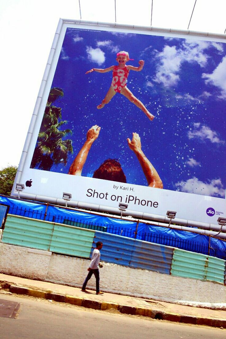 Oh ho ho the iPhone blah blah blah club  Juhu billboard prime space Mumbai  #selfie #Juhu #photowalk #chowpatty #beach #sea #sky #course #water #waves #film #school #lightpainting #CVISUALI #instapic #workshop #billboard #instacolor #instaeducation #urban #photographs #photocourse #photography #photographer #apple #family #professional #clicks #iphone #instamumbai