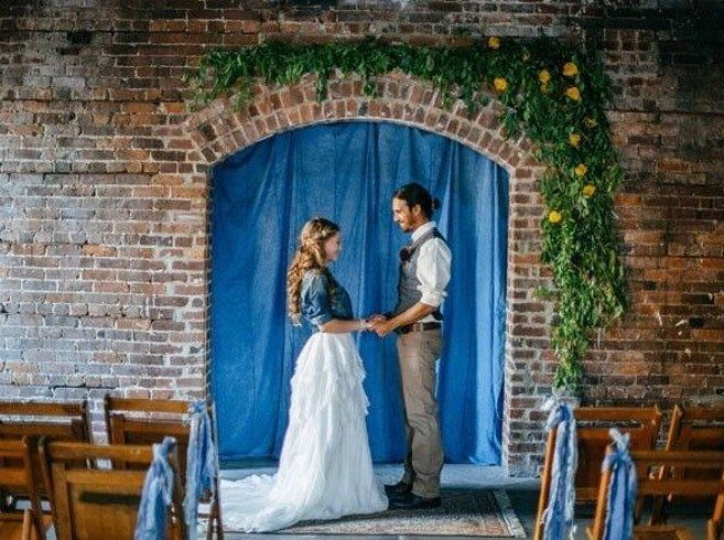 CL Space — Tampa, Florida   15 Absolutely Stunning Wedding Venues That Cost Less Than $3,000