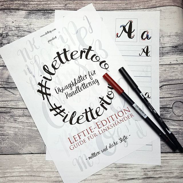 Endlich endlich, da sind die #leftie #übungsblätter #kostenlos als vollständiges Heft zum #download #iletterju #ilettertoo #letterattack #letterattackchallenge #handlettering #lettering #linkinbio #handletteringblog #letteringblog #handletteringpractice #linkshänder #freebie #lefties #lefty #leftylettering #leftielettering