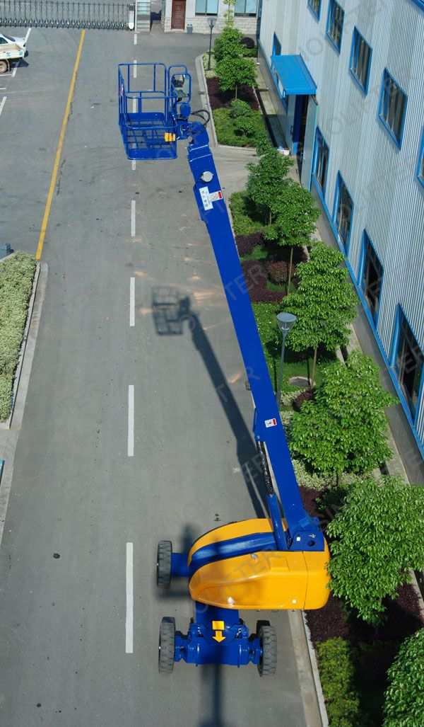 The lift height of this telescopic boom lifts for sale is 18m, the platform could around different angles. Easy to reach the buildings, because the max working raidus is 16.5m. If any need, welcome here: mornf@sinicmech.com. http://sinolifter.com/self-propelled-telescopic-boom-lift/18m-height-boom-lift-for-sale.html