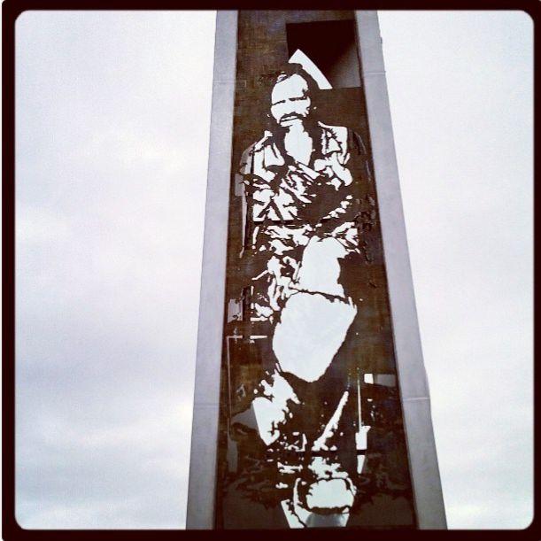 Travelling with camera obscura: Kalkkimaan Pappi obeliski, Tornio Pekka ja Teija Isorättyän taideteos Särkynytlyhty. Pekka and Teija Isorättyä' s statue