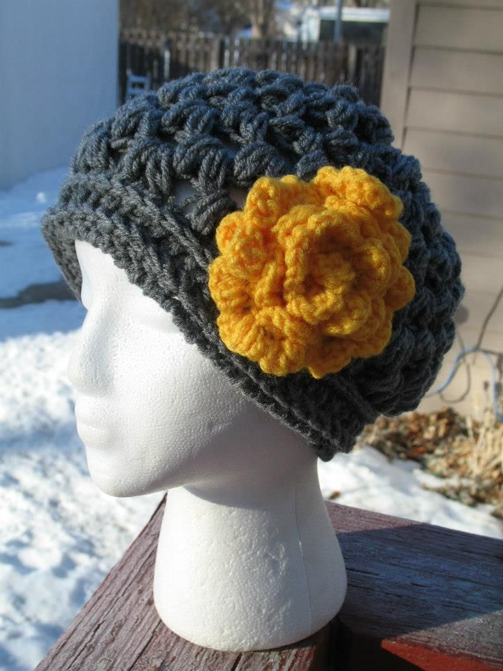 V-Puff Hat with Easy Rolled Flower ☺ Free #Crochet Pattern ☺