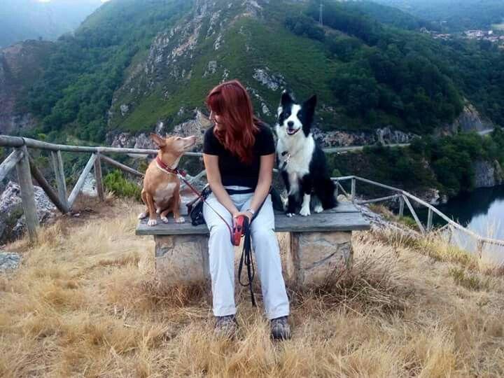 Susana, Cova y Zarpa en apartamentos rurales la Xamoca