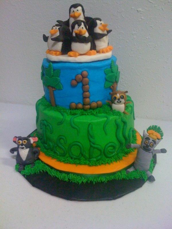 Penguins Of Madagascar Cake Decorating Kit 1 : Best 25+ Madagascar cake ideas on Pinterest Zebra ...