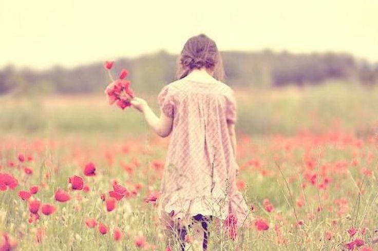 Somos como as flores bonitas ou feias todas frageis a precisar de cuidado