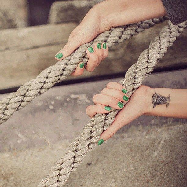 VERDE #primavera #3in1Gel #SmaltoIbrido #OneStep #LaFemmeProfessionnel #Manicure #Verde #Tattoo #Tatuaggio #Unghie #Mani #Nails #Instalike #BelliDaMatti #blogger #Fashion #Mare