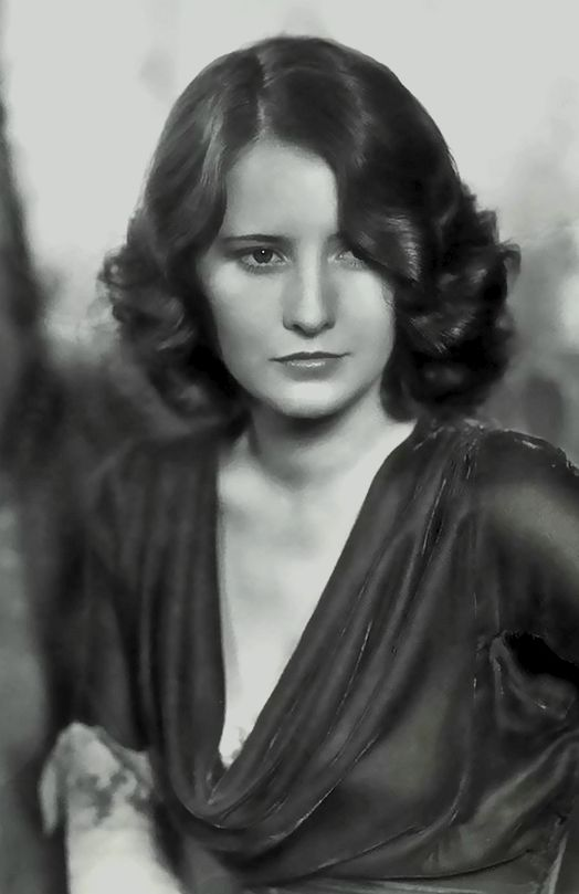 #classics #oldhollywood #BarbaraStanwyck Classic Hollywood stars.  Vintage Style. Barbara Stanwyck