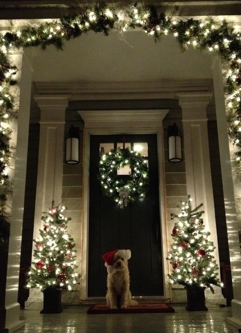 I can't believe I am repinning a doorway with garland! Anyone who knows grandma knows why :)