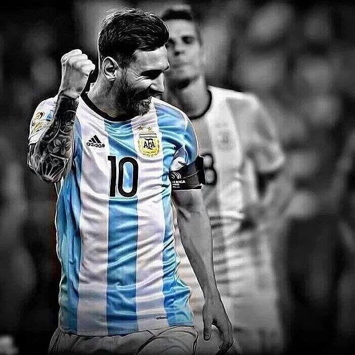 """4,149 Me gusta, 22 comentarios - Todo Futbol (@todo_futbol97) en Instagram: """"Es hoy Lio! En vos confiamos! #lionel #messi #futbol #argentina #chile #eliminatorias #rusia2018"""""""