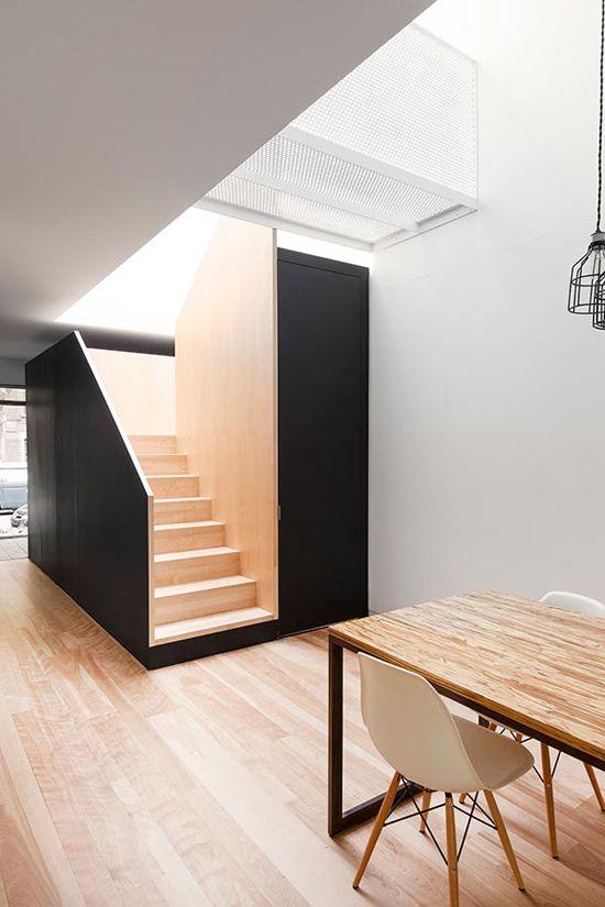 Mínima cozinha preto e branco com uma parede de tijolos brancos   – Küche