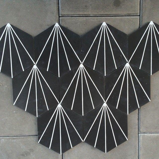 NEWS! Dandelion - almost black 0,414 sqm/Box, 672 SEK/Box #marrakechdesign #kakel #klinker #fliser #design #marockanskt #marockansktkakel #interiör #interiordesign #cementtiles #Padgram