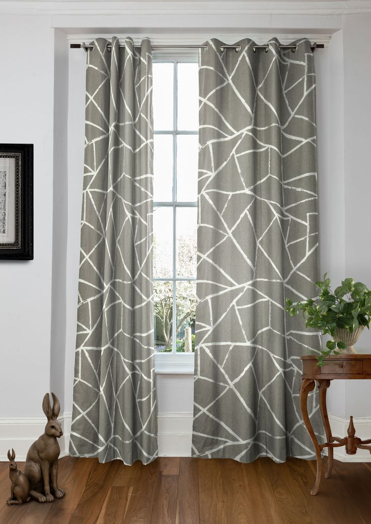 Moderne Ulysses - Geometric curtains in subtle natural hue made from 100% cotton.