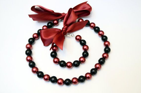 Glass Pearl Jewellery Set - Maroon and Black beaded bracelet and necklace jewellery set with a Maroon Lace bow