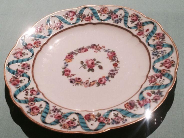 Marie Antoinette dinner set design