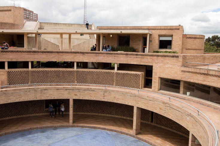 Facultad de Ciencias Humanas de la Universidad Nacional de Colombia, Bogotá   Arq. Rogelio Salmona 1995 10