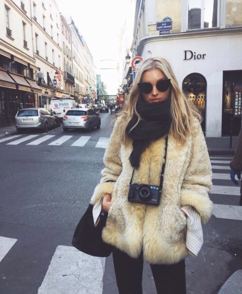 camel faux fur coat | leather trousers  | autumn fashion | fall fashion | fall style| autumn style | streetstyle | style inspiration | minimal style