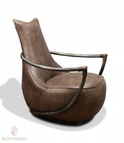 """Lyst på en stol som skiller seg ut? Vår Old Amsterdam lenestol har et virkelig unikt design som skiller seg ut i mengden! Stolen er produsert av høykvalitets """"full grain vintage leather"""" og har en myk og behagelig sittekomfort!  #furniture #møbler #leather #skinn #chair #stol #fullgrain"""