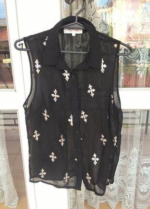 Kup mój przedmiot na #vintedpl http://www.vinted.pl/damska-odziez/koszulki-na-ramiaczkach-koszulki-bez-rekawow/15532772-koszulka-w-krzyze-rozmiar-s-mgielka-idealna-na-swieta-jesien-wideo