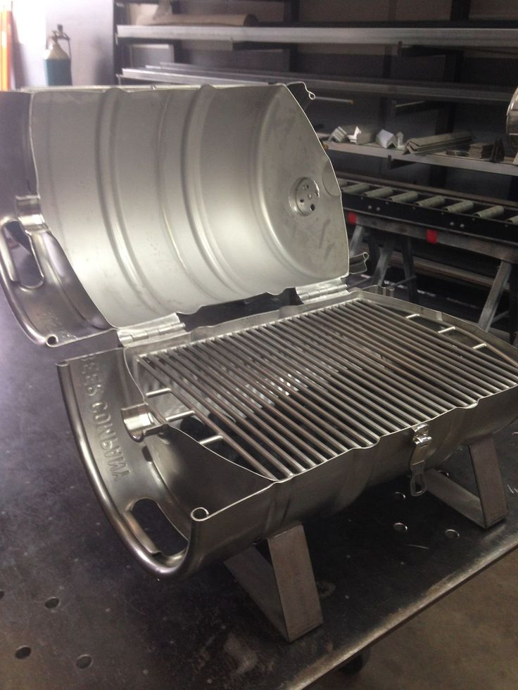 www.bbqlikeaboss.com The finished stainless steel keg grille - it's not food but I still want one