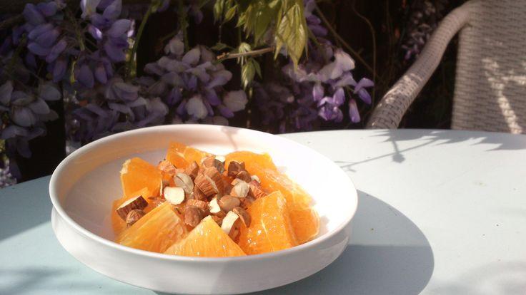 Appelsin, omega-3 olie, hakkede mandler