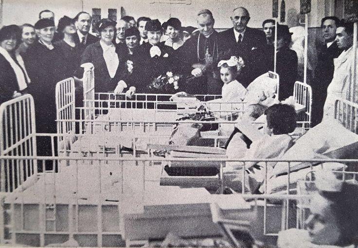 Czech Children's Hospital, Christmas 1936. The visitors included the Cardinal Kaspar, Hana Benesova (president's wife), Amelie Baxova (wife of Prague's Mayor) and others.  Source: Spolek Česká dětská nemocnice v Praze, Výroční zpráva spolková a České dětské nemocnice v Praze (Praha: 1937)