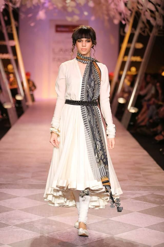 Tarun Tahiliani - Lakme India Fashion Week SR14 suit with a belt and printed dupatta